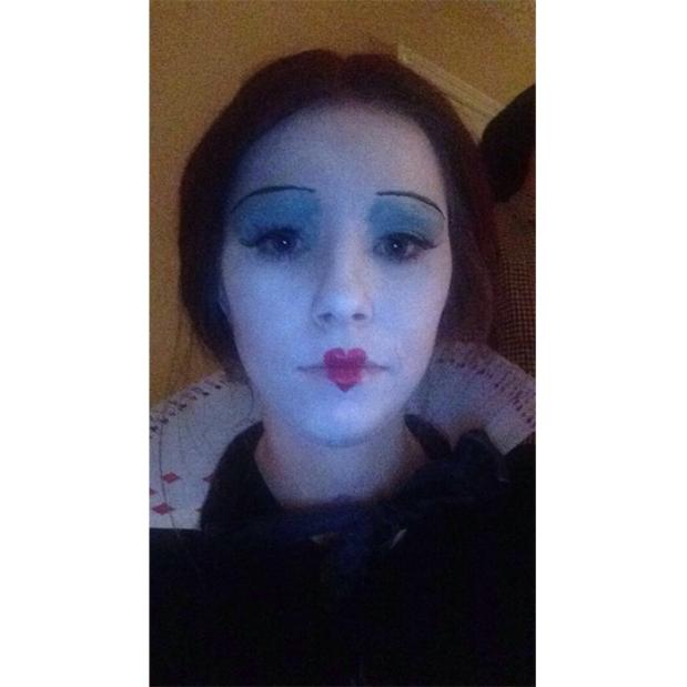 Queen Of Hearts Makeup Wheelchair Halloween Costumes