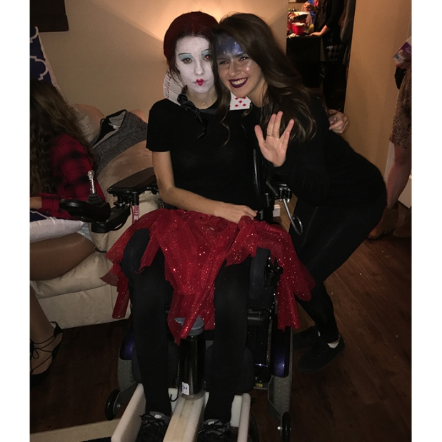 Queen of Hearts Wheelchair Halloween Costumes 1