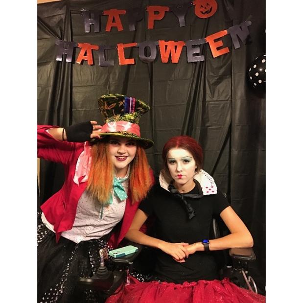 Queen of Hearts Wheelchair Halloween Costumes 2